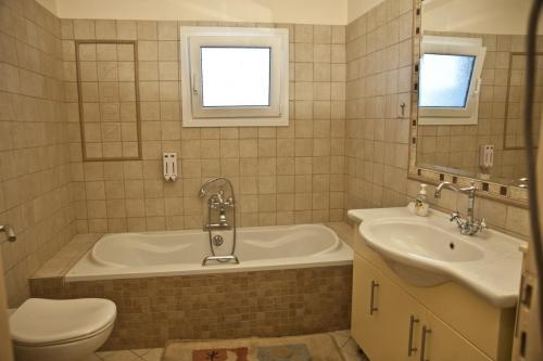 Bath Room 2OG